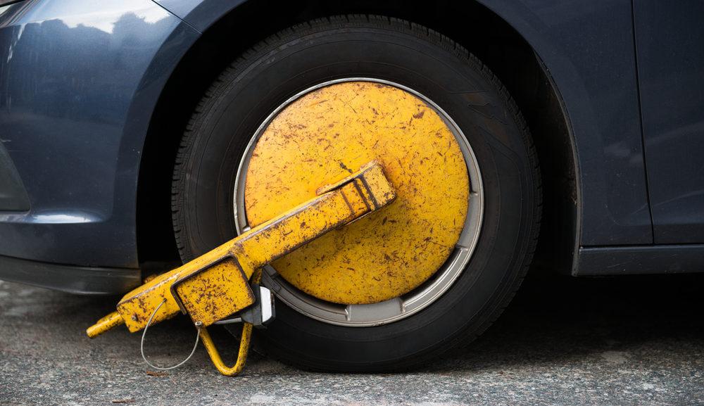 Come vedere se un'auto è stata incidentata - AUTOMOBILANDIA