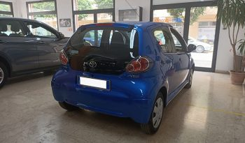 TOYOTA AYGO CONNECT 1.0 BENZ completo